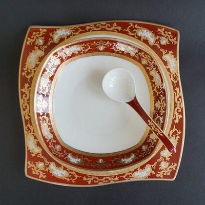 【Tobrii迎向光明】全新現貨實拍質感尊貴精緻高級浮雕瑪瑙紅黃金鍍邊骨瓷碗盤餐具10.5吋方盤(單件)