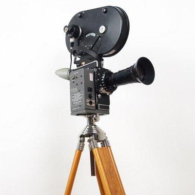 百寶軒 1960年代西洋古董瑞士寶力BOELXH1616MM電影攝影機EBM送三腳架 ZG3773
