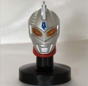 日版盒玩 超人力霸王 鹹蛋超人 光之巨人 發光頭像 2代 ~單賣:編號10(含發光燈座)