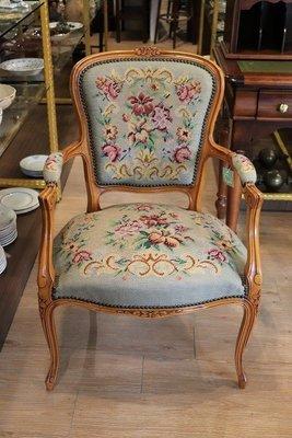 【卡卡頌 OMG歐洲跳蚤市場 / 西洋古董 】歐洲古董藝術天空藍針織雕刻扶手木椅  ch0111✬