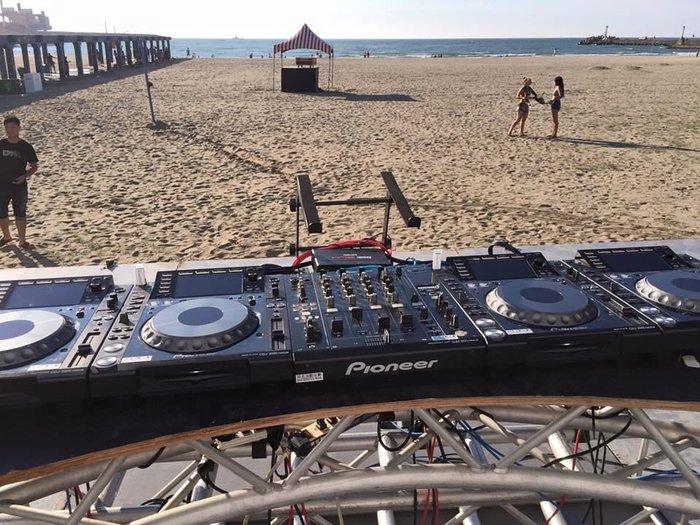DJ器材出租戶外沙灘派對?️定款機種,邦克 DJ 器材出租 RANE混音器出租、SL 3 SL4黑盒子均有出租。