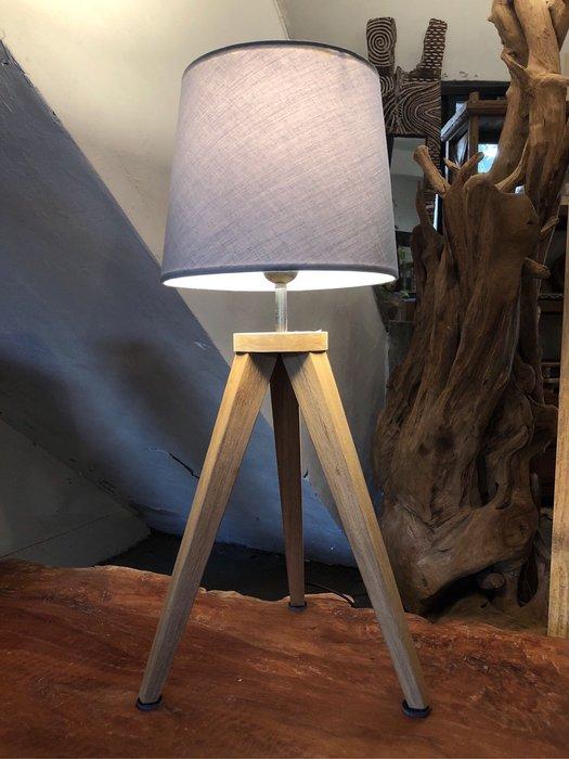 柚木現代簡約桌燈夜燈 (LW30 H63.5 cm)