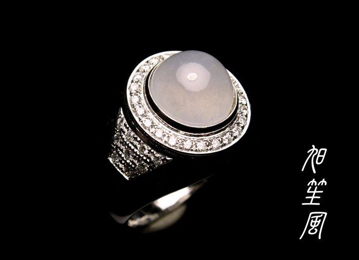 【旭笙風 】A貨緬甸玉冰豔放光粉紫羅蘭蛋面翡翠「 K金真鑽設計美戒 」
