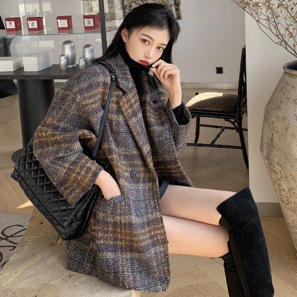 限時優惠至12/13 質感超好加厚保暖短大衣 復古寬鬆格紋毛呢西裝外套 艾爾莎【TAE8159】