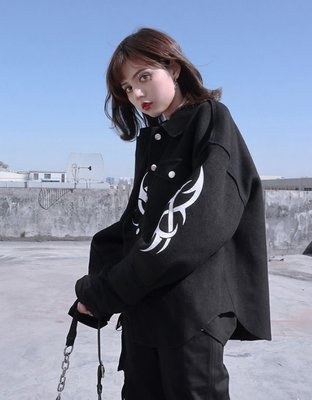 【黑店】原創設計 暗黑系個性cyber刺繡短版羊毛混紡夾克 寬鬆男友風短版黑色羊絨混紡外套 SG140