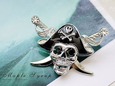 經典飾集☆韓國進口-時尚流行造型 海盜骷髏雙刀標誌胸針(25-86-1)銀黑 台中市