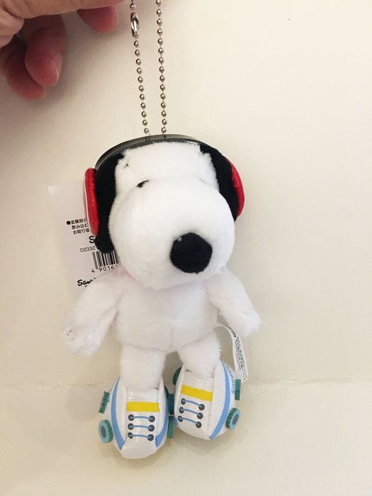 ^燕子部屋 ^ 【史努比 】史努比造型玩偶珠鍊吊飾-滑冰