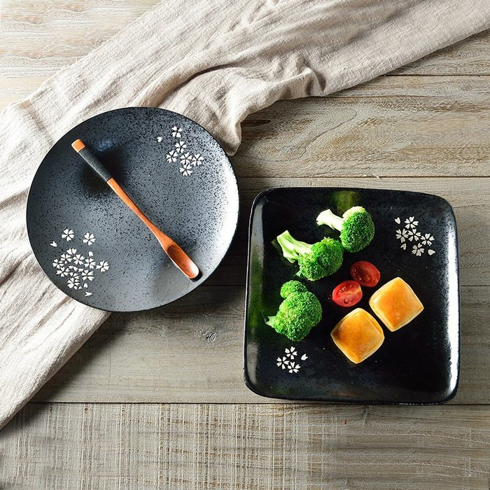 日系日式和風廚房餐桌鍋碗杯壺勺碟筷茶壺日料店必備日本燒經典日式櫻花黑陶瓷圓盤方盤菜盤骨碟和風特色餐廳酒店用品