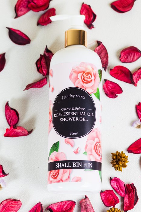 ✨新品上市✨ 雪冰芬植萃大馬士革玫瑰香氛沐浴露500ml  原裝保證 台灣製造