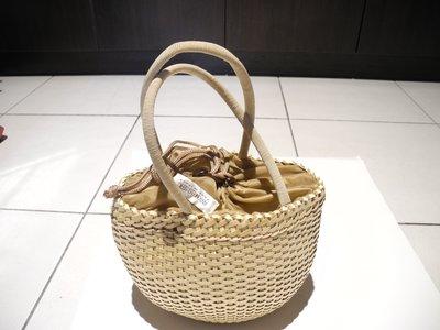 義大利品牌ANTONELLO SERIO米色編織手拿包  有時尚感喔