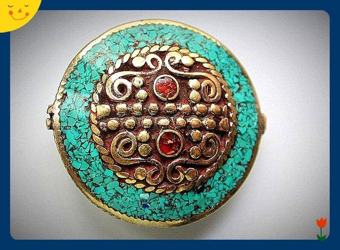 【雅之賞|藏傳|佛教文物】*特賣* 尼泊爾手工 藏飾配件 銅鑲嵌綠松石和紅珊瑚項鏈吊墜~801