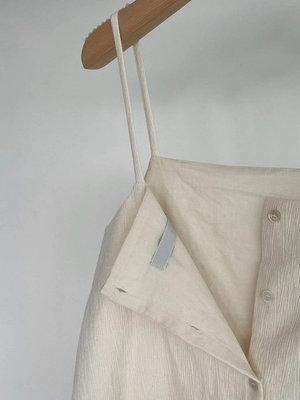 *Her Hanna* 韓國設計師品牌 細摺紋理細肩排扣洋裝 新款細肩背心裙 我的室友是九尾狐 惠利同款AO21053005