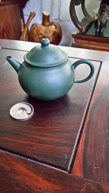綠泥壺(景舟款)~~薄胎~~