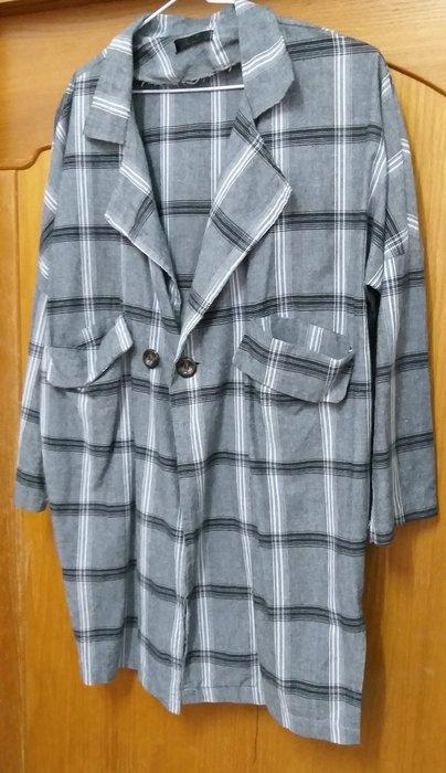韓系迷人風采灰大格紋長版外套,實品很美,上班休閒都好搭
