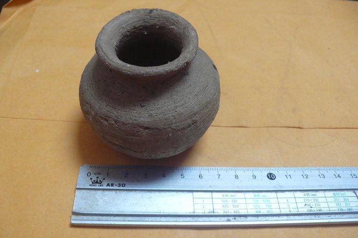 紫色小館89-------早期原住民手工材燒陶罐