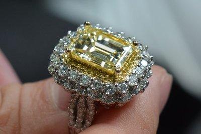 【阿德翡翠】 黃鑽石 金鑽  6.12克拉 祖母綠切工  淡彩黃色 Fancy light yellow  GIA證書