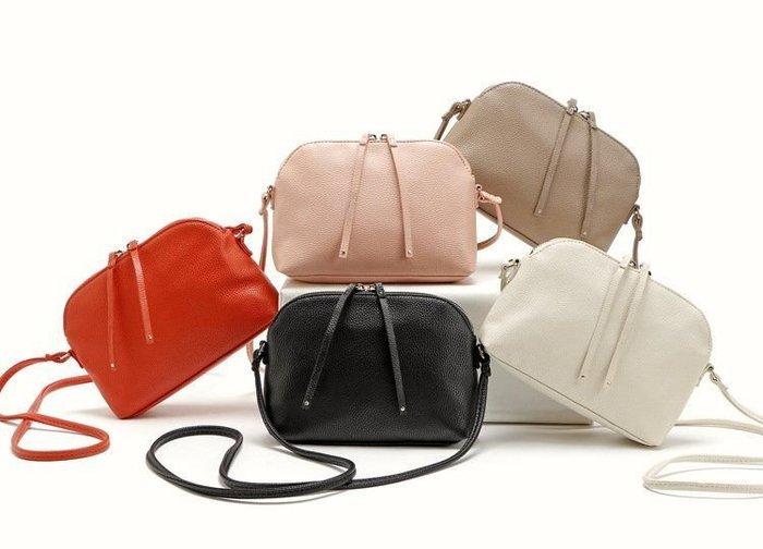 1220:) H&M 素色簡約拉鍊貝殼包