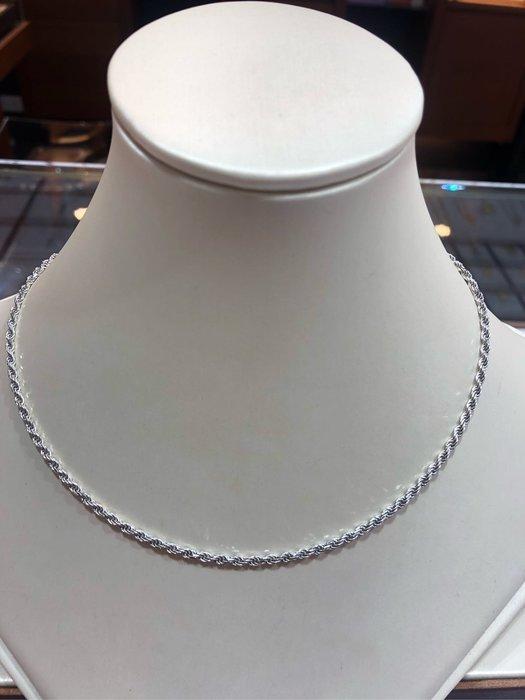 義大利585/14K金項鍊,單戴就很好看,超值優惠價16800,重2.42錢,基本簡單亮面麻花鍊,男女都適用