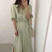綠色長裙可作外套配搭
