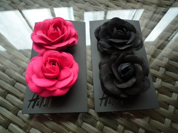 ☆小部屋☆(全新)【H&M】小香style 山茶花 髮夾~特價99元