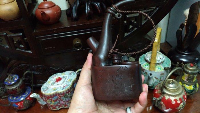 老件紫砂壺水煙壺,名家裴蘭芳製作,低價讓藏,物件超稀有,機會難得,換現金