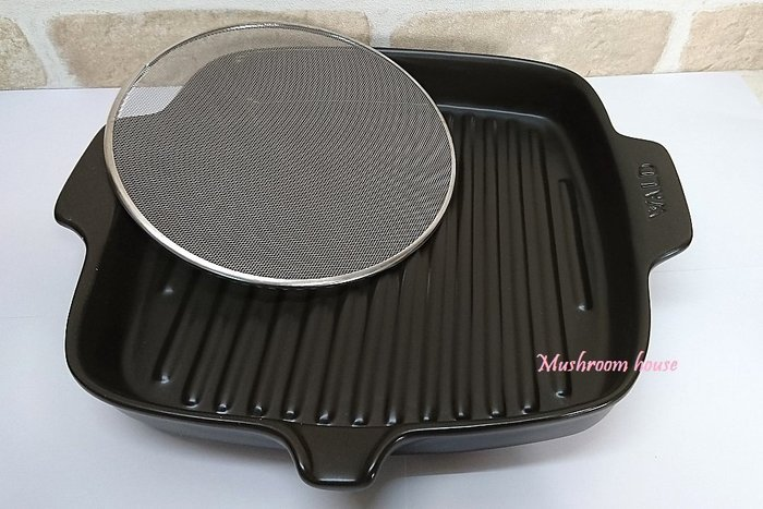 點點蘑菇屋 義大利WALD黑色方形高溫陶瓷燒烤盤附有爐火直燒鐵網 適用烤箱 耐熱陶瓷 烤肉架 烤肉盤 現貨 免運費