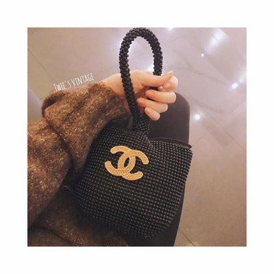 *Sold*Chanel vintage 編織紋logo別針❤️近看有許多層次紋路,美物難尋,錯過沒有