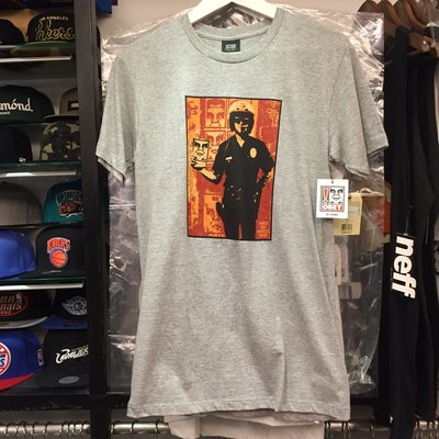 BEETLE PLUS OBEY AMERICA'S FINEST COP 美國 警察 罰單 人臉 灰 短TEE S