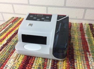 「現貨」多國紙幣迷你小型點鈔機 攜帶式點鈔機