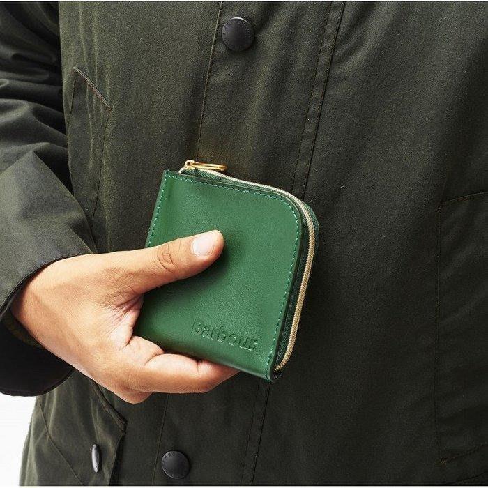 ☆Juicy☆日本雜誌MonoMax附錄英國風衣服飾品牌 Barbour 多功能 卡夾 皮夾 短夾 零錢包 2340