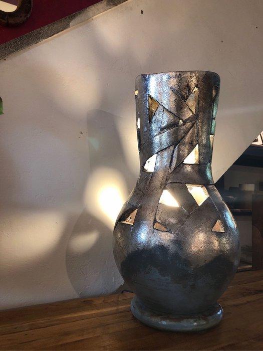 陶製夜燈 (LW28 H56 口徑17 cm)
