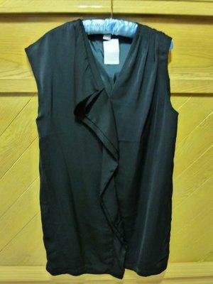 ☆☆現貨在台 免國際郵資☆瑞典H&M 黑色不對襯緞面荷葉洋裝☆☆