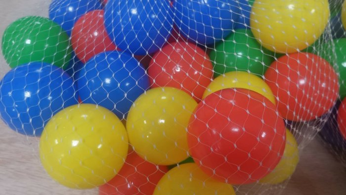 ☆夯健身夯休閒☆ 安全玩具彩色球 塑料無毒球屋彩球 池池 充氣游泳池 專用小彩球 單價零售價3元