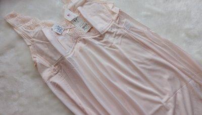 *JOLINNA~SHOP*42220日本華歌爾~無鋼圈舒適款~柔嫩粉色小夜襯衣~A95~95~直購1490元~