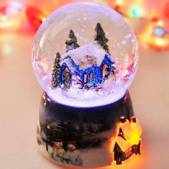 【優上精品】水晶球音樂盒 八音盒聲控發光旋轉帶雪花聖誕節禮物生日 帶您走入夢(Z-P3147)