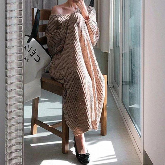 新品限時優惠至11/30 過膝長款寬鬆休閒連身裙 V領蝙蝠袖長袖針織洋裝 艾爾莎【TGK8611】