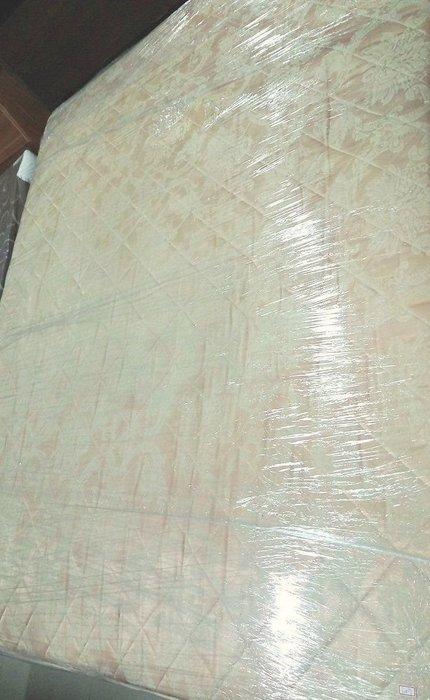 新竹二手家具來來-出清 Queen 尺寸6×7床墊~新竹搬家公司|新豐頭份二手家電買賣沙發茶几衣櫥床架床墊冰箱洗衣機