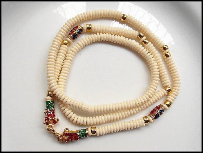 【雅之賞 藏傳 佛教文物】*特賣*泰國進口 鎏金琺琅鍍24K椰殼佛牌鏈 白色龍頭扣~080202