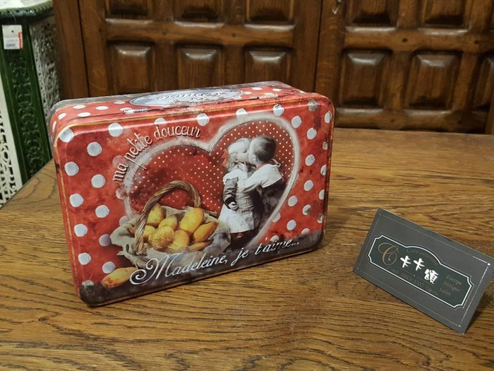 【卡卡頌 歐洲跳蚤市場/歐洲古董】歐洲老件_法國老鐵盒 餅乾盒 質感收納小物 m0457 提供租借✬