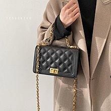台灣 VENUSKISS包包 時尚小香風菱格紋質感鍊條垂墜金扣小方包 斜背包/3款/VKS422 預購