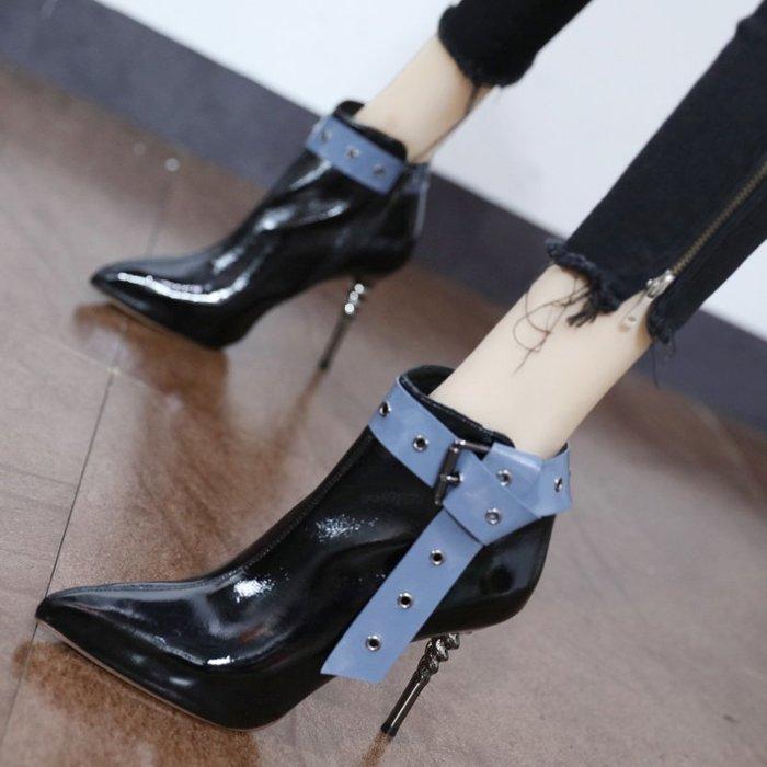 高跟鞋大呎碼女鞋氣質靴子尖頭跟鞋低跟鞋性感夜店鞋細跟/網紅英倫風短靴女潮拼色皮帶扣尖頭馬丁靴