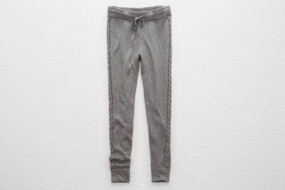 Maple麋鹿小舖 American Eagle * AE  灰色麻花設計針織長褲 * ( 現貨S號 )