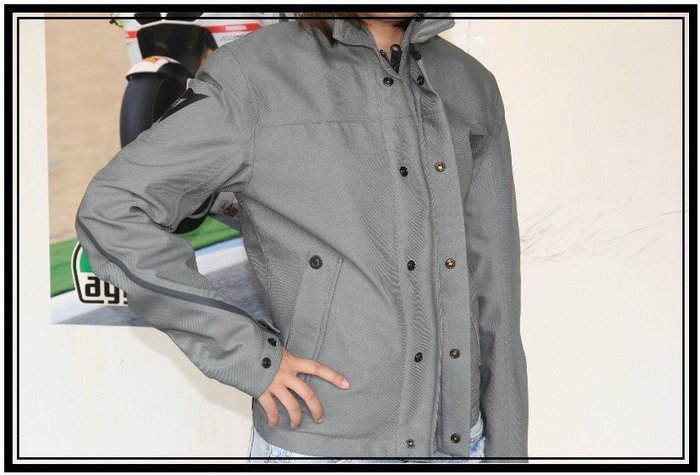 DAINESE防摔衣 MAC GORE-TEX 42號全新原價14500元 出清特價6900元起標( 護具需另購)