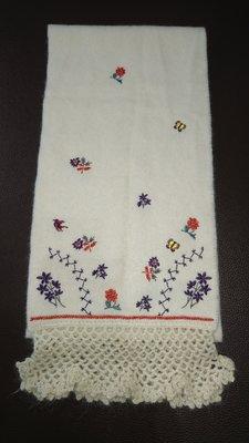 ANNA SUI 米色刺繡圍巾