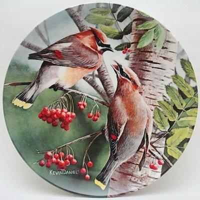 【timekeeper】  美國製Knowles大英百科全書22公分鳥類盤飾(雪松太平鳥)(單盒全)(免運)