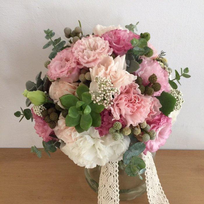 F75。多肉植物捧花。粉白色系新娘捧花。拍照手綁花。客製捧花。台北歡迎自取【Flower&House花藝之家】