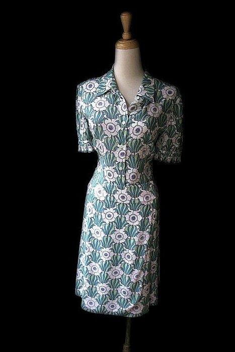 *Beauty*PRADA綠色短袖花卉洋裝  38S 號  21000 元WE18