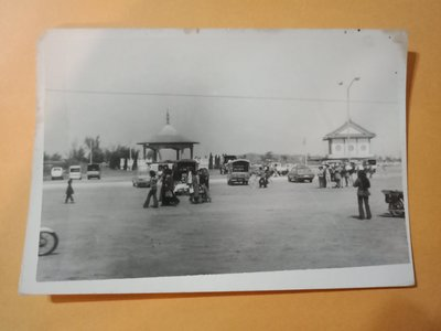 早期街道古董偉士牌機車老照片