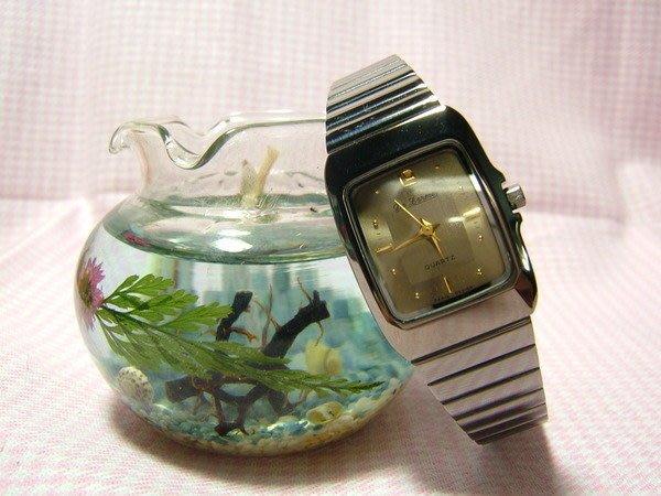 全心全益低價特賣*伊陸發鐘錶百貨*女錶拍賣區* 酒桶造型超薄錶.好運旺旺來