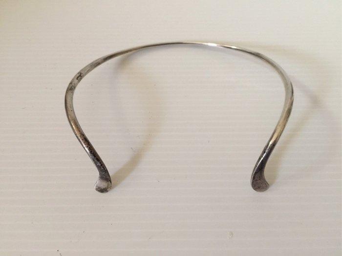 【阿輝の古物】其他古早_喬治 傑生 925 頸環,無原盒,重48g,